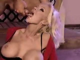 Vivian Schmitt Tube
