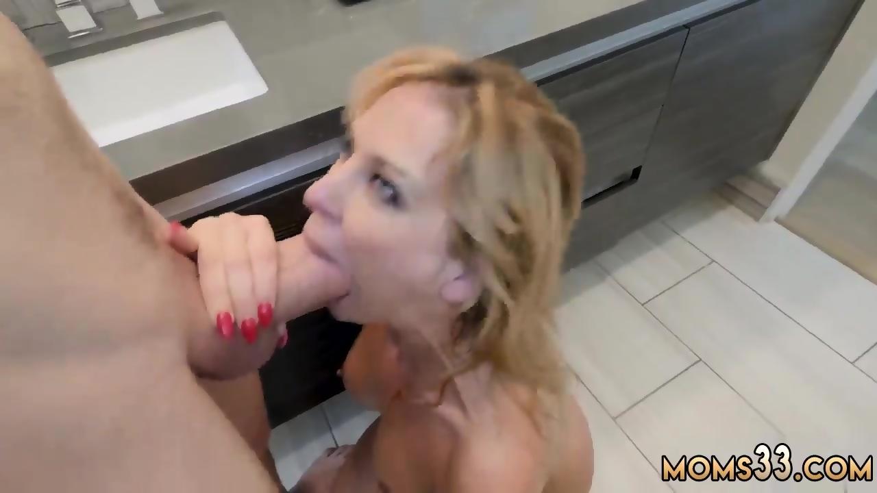 Hot Step Mom Sucks Sons Dick