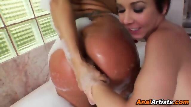 Lesbian Big Ass Worship Fetish