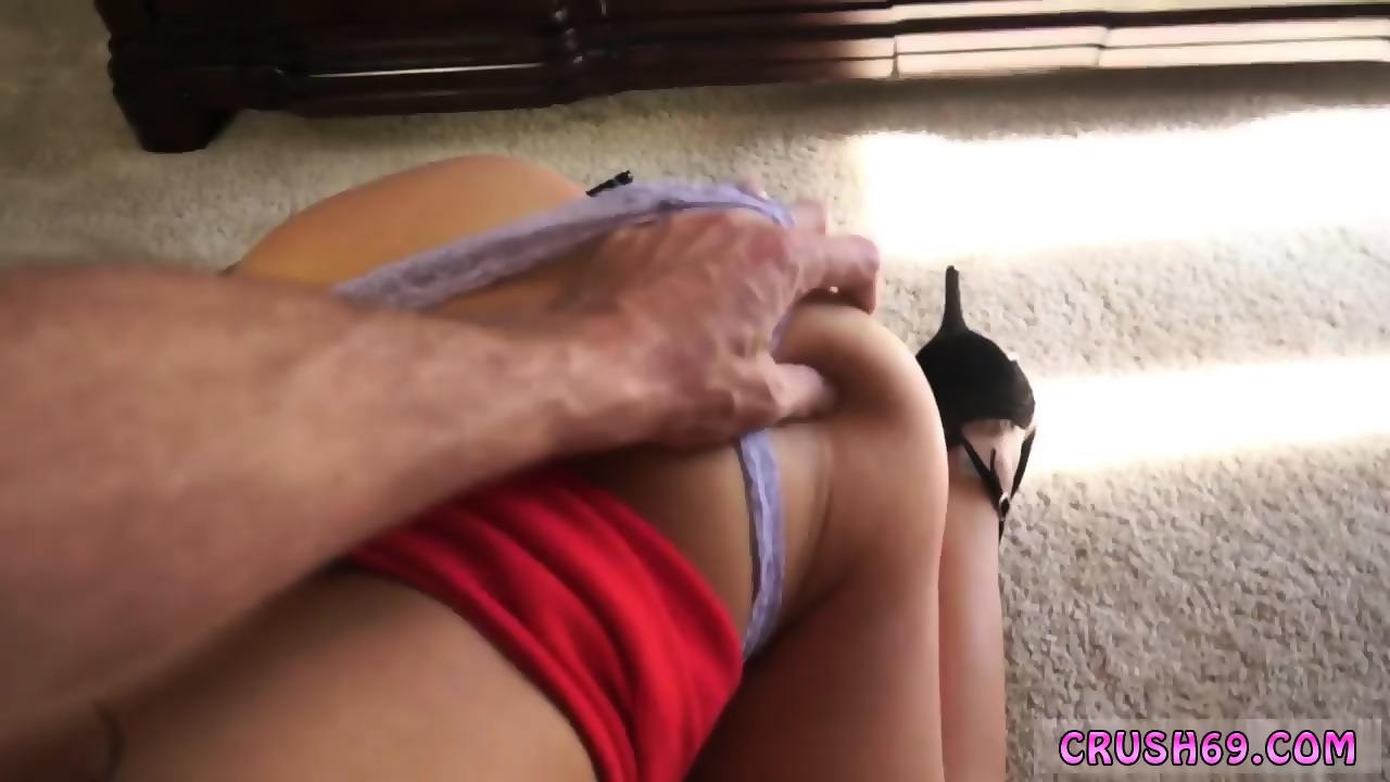 Mom Seduces Daughter Anal