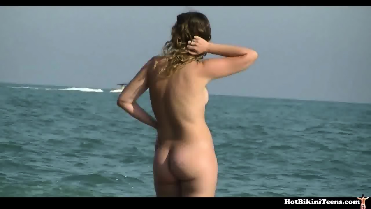 Can nude beach girls ass