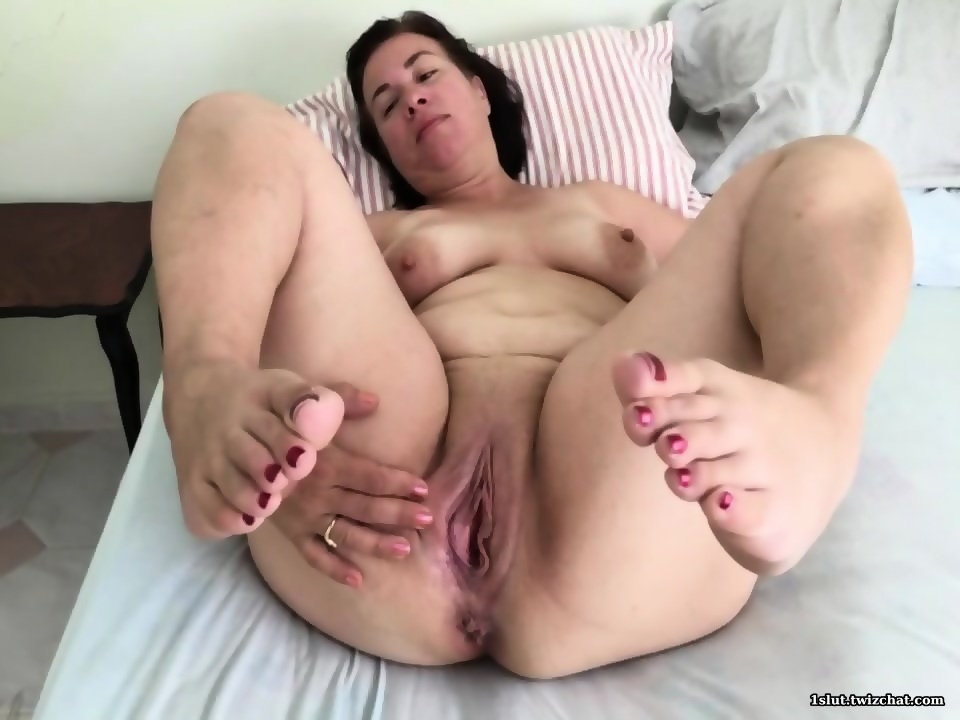 Lick her pussy black