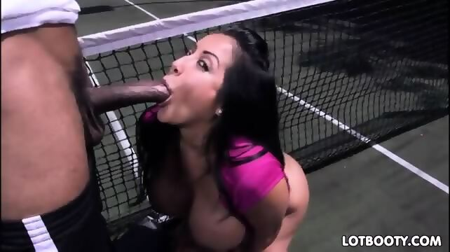 Big ass milf loves big black dick kiara mia