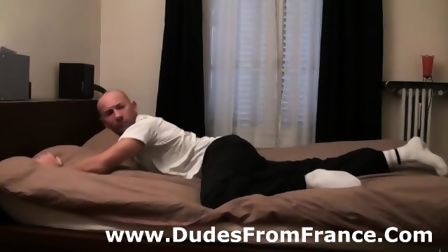 Hot Gay Threesome On A Bed