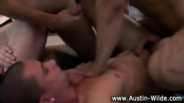Hunky austin wilde fucks tight ass