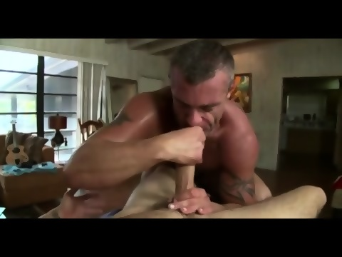 Masseur and straighties suck and fuck
