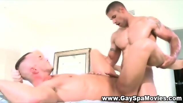 Amateur Straighty Cums On Twink