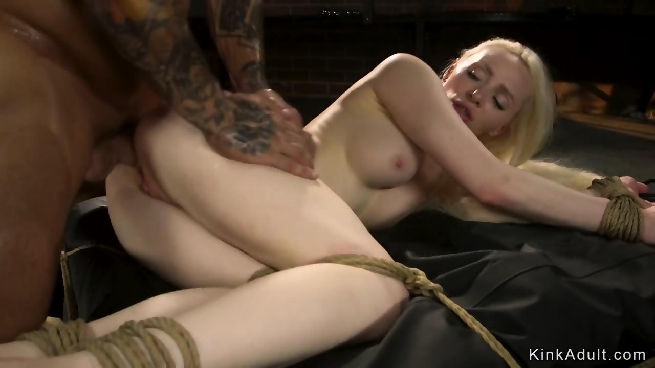 anal Hot screamer blond