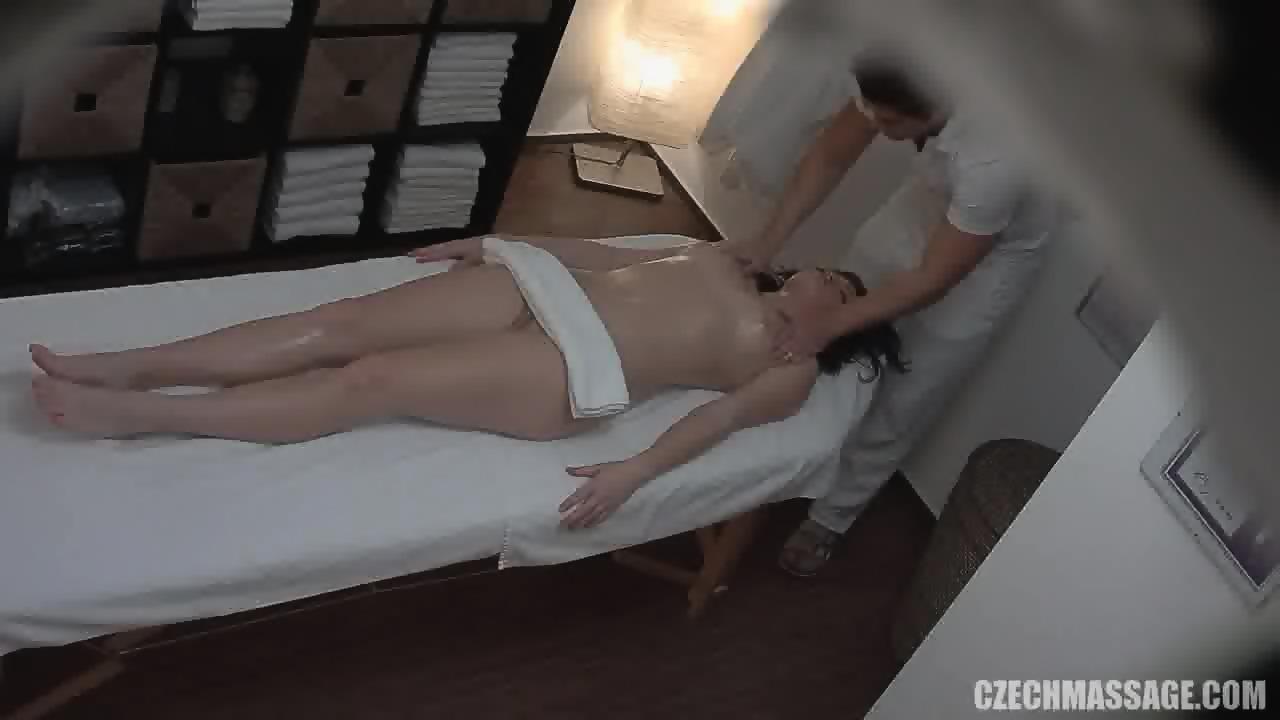 image This masseur has his own massage techniques