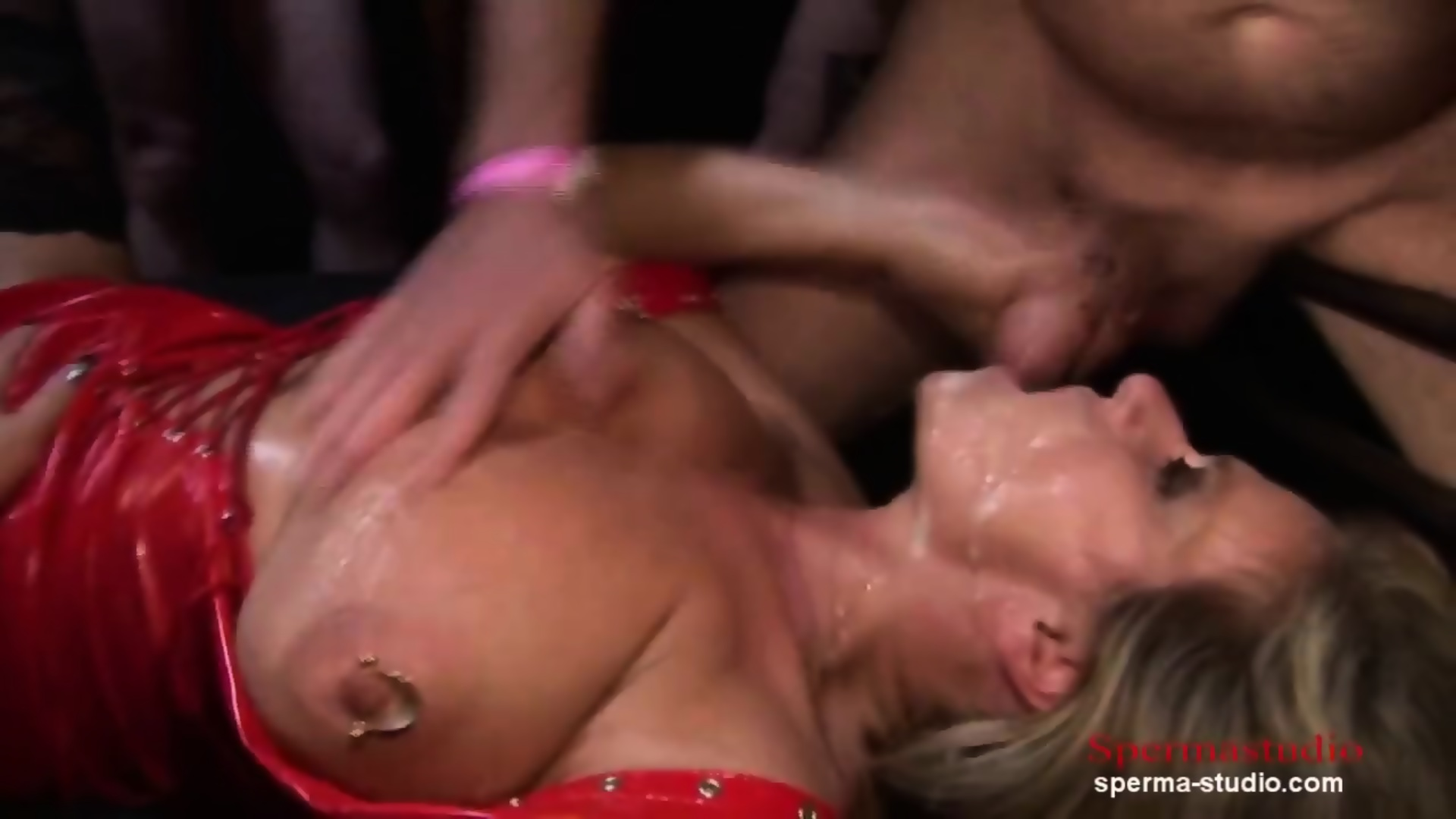 Free female nude photo