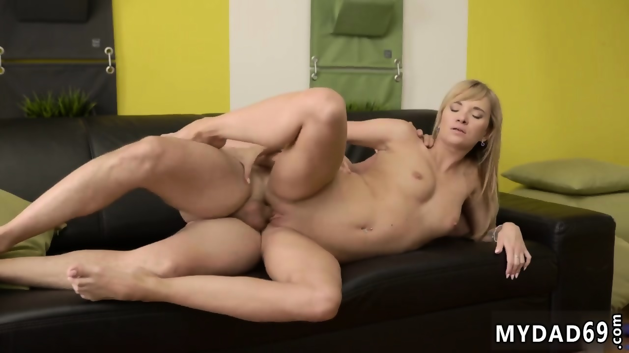 Squirting pussy fucked