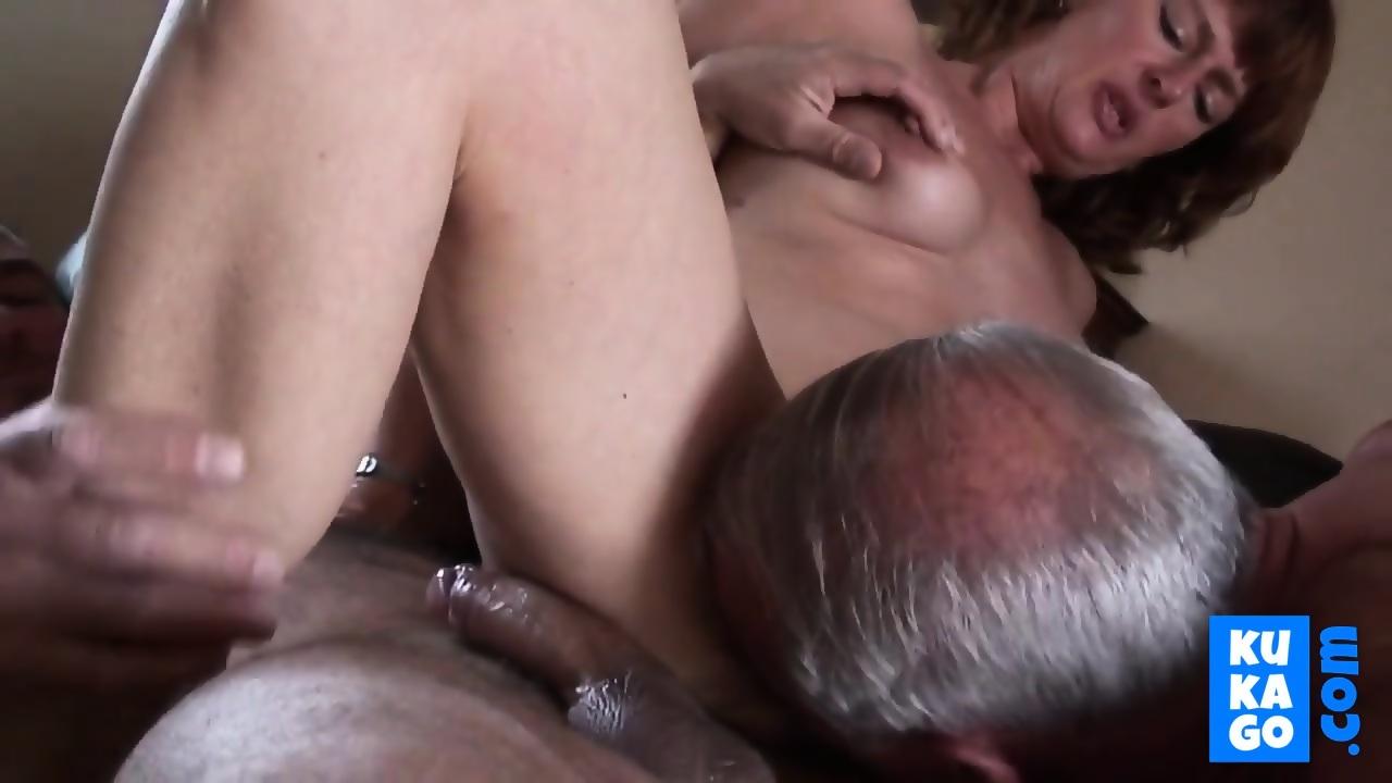 Amateur Threesome Teen Cuckold