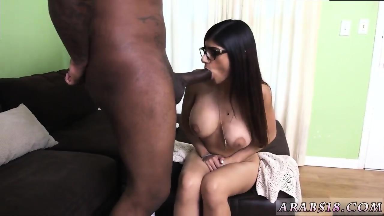 Mia Khalifa Y El Bananero