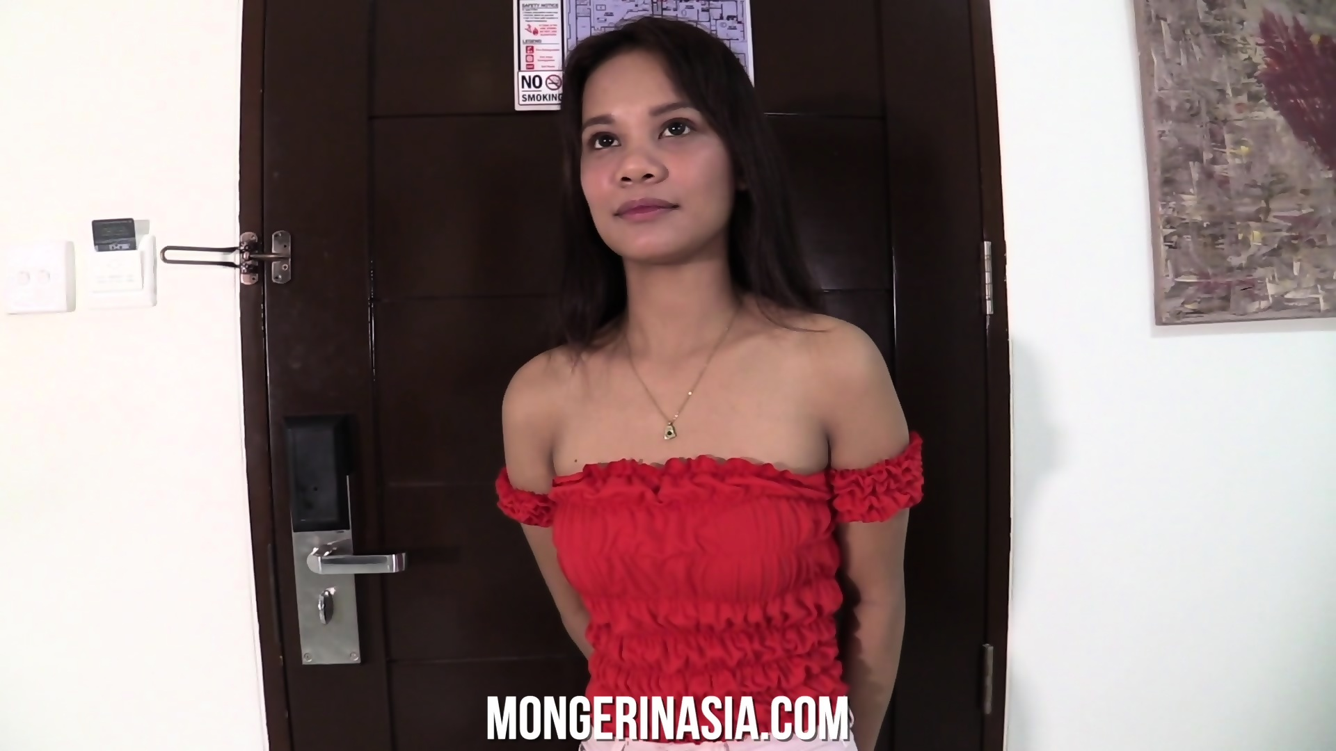 Young Thai Maid Gets Stuffed By A Well Hung Tourist - EPORNER