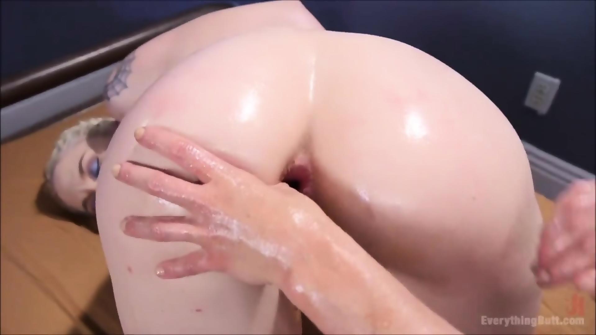 Older wife wants slow wet fuck