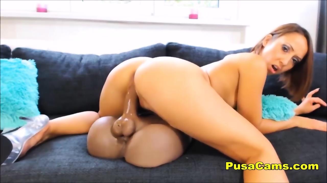 Big Ebony Booty Dildo Ride