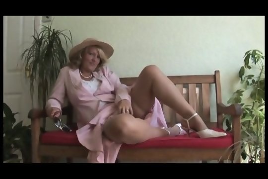 HOT MOVIE Hairy wife xhamster
