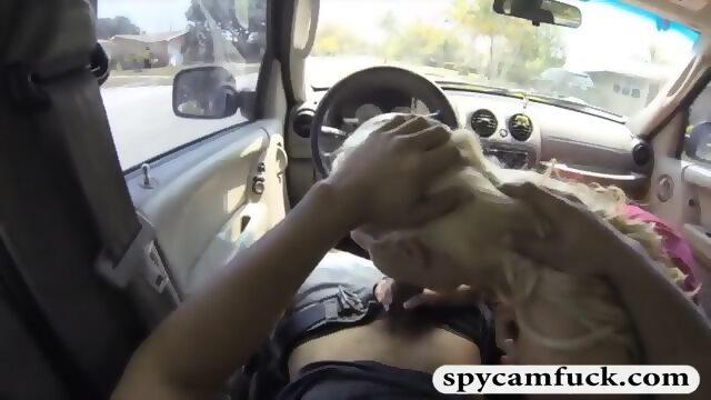 Teen gives road head