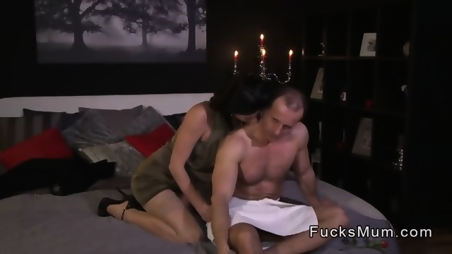 Mature woman fuck her lover