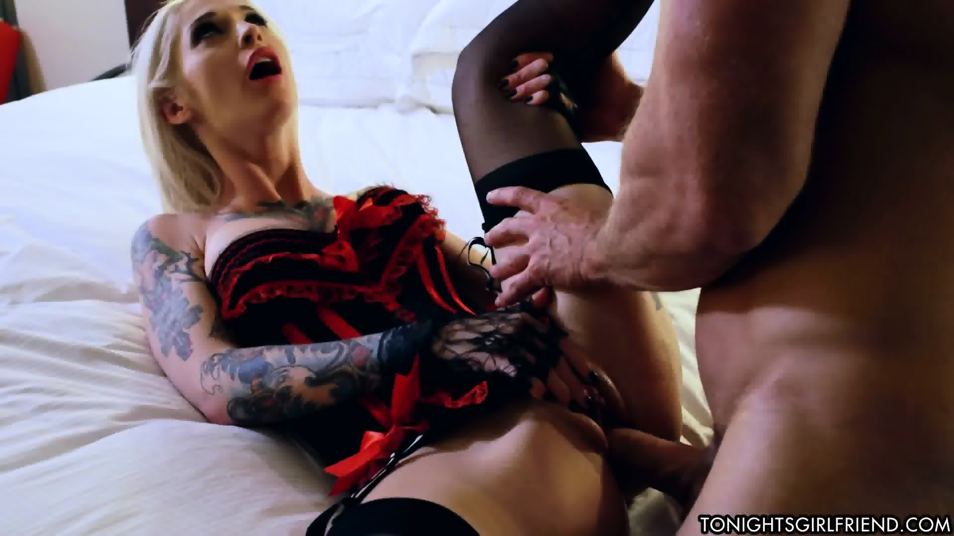 Alura jenson hot milf fucks like crazy
