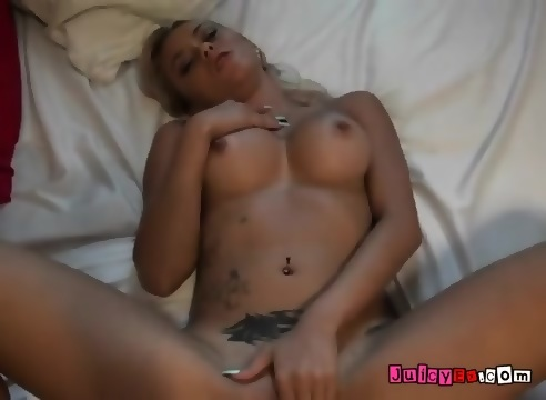 Contortionist peeing porn pics