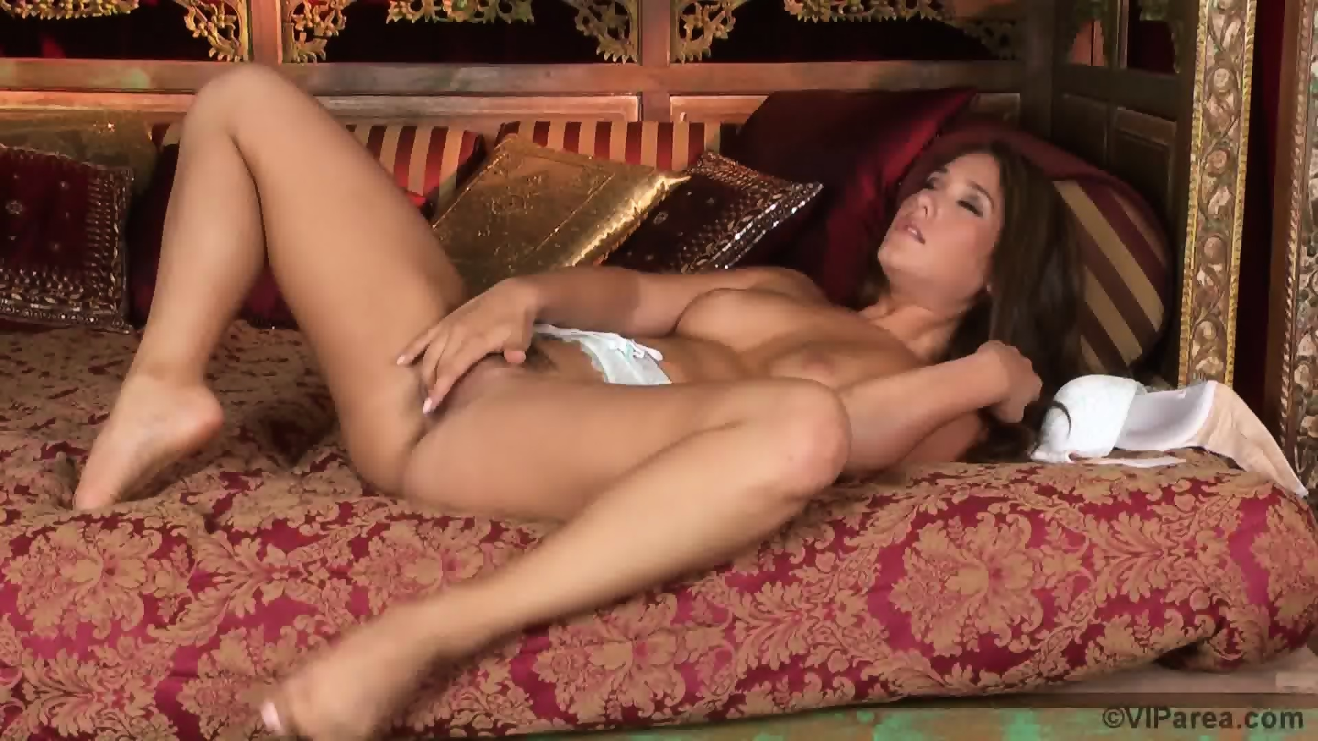Adrianna luna plays with her hot g vibe 4