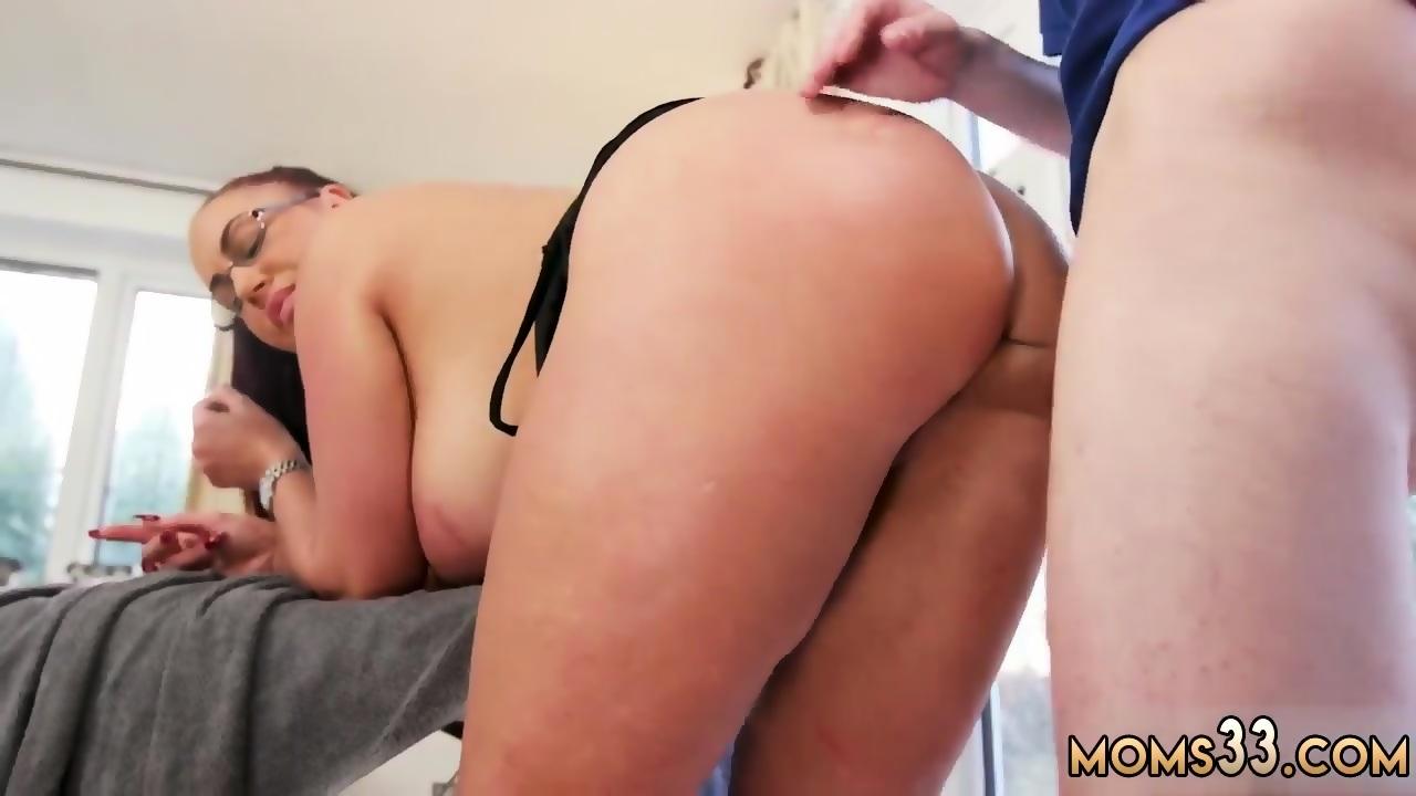 Fucking Latina Step Mom