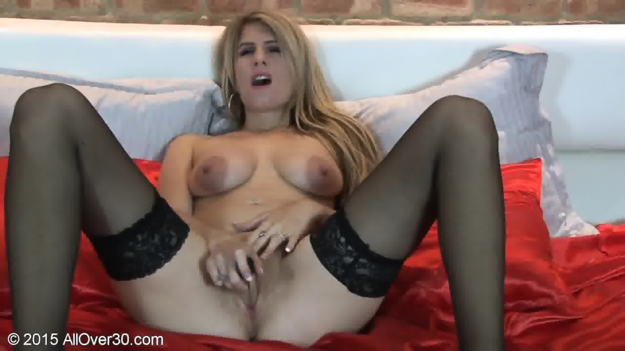 British Female Mature Solo Hd