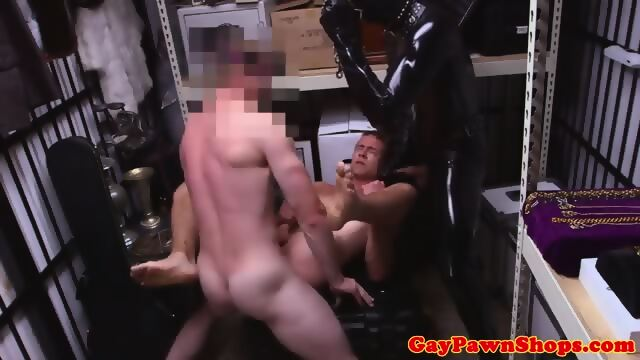 Gaystraight Pawnshop Amateur Receives Cumshots