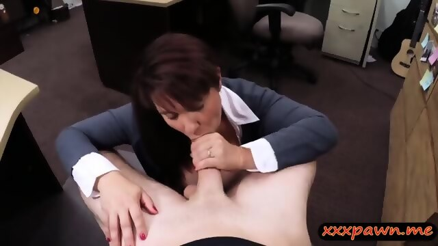 Wife sells her pussy