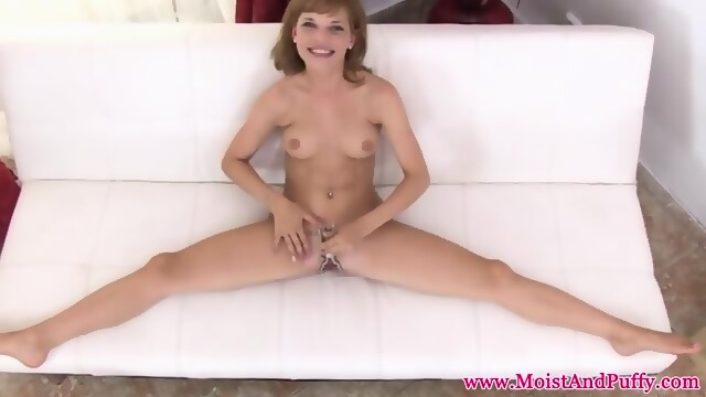 Mischievous pissing lover gets wam wetting so