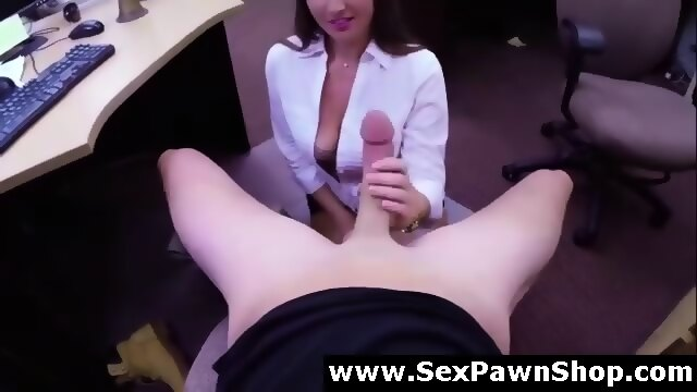 Milf sucking cock on hidden cam