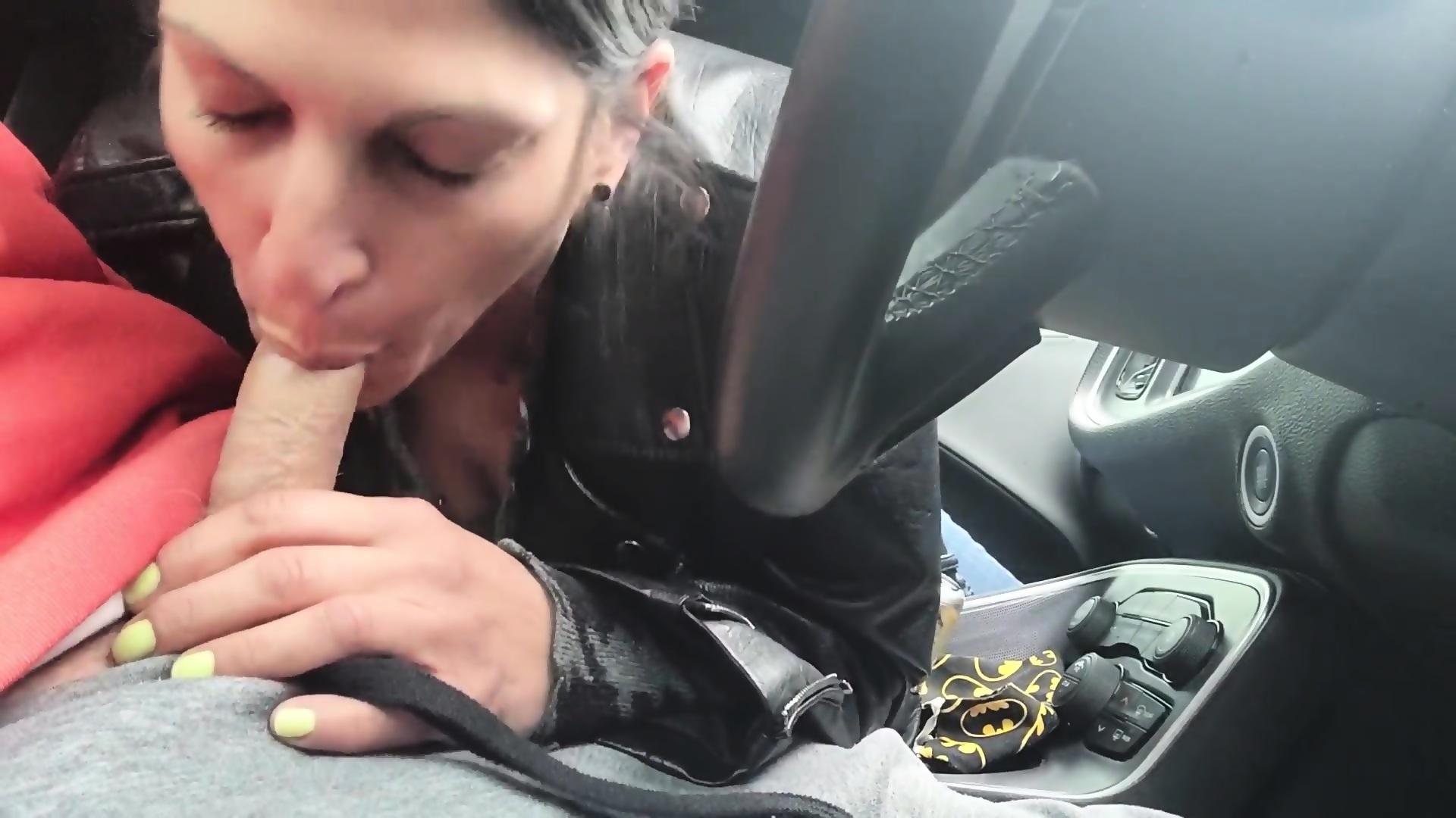 Car Blowjob Swallow Amateur
