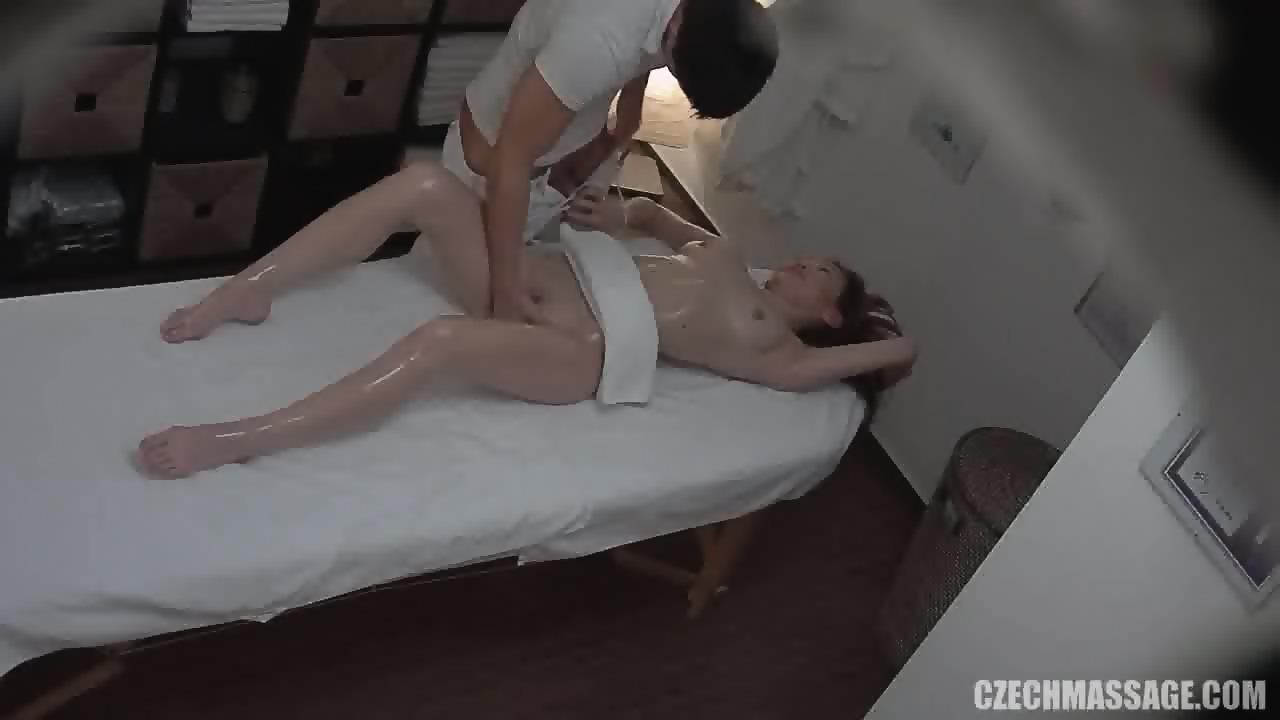 massage girl porn voyeur