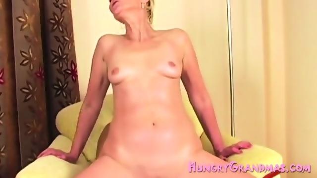 Girlmouth cute fun naked