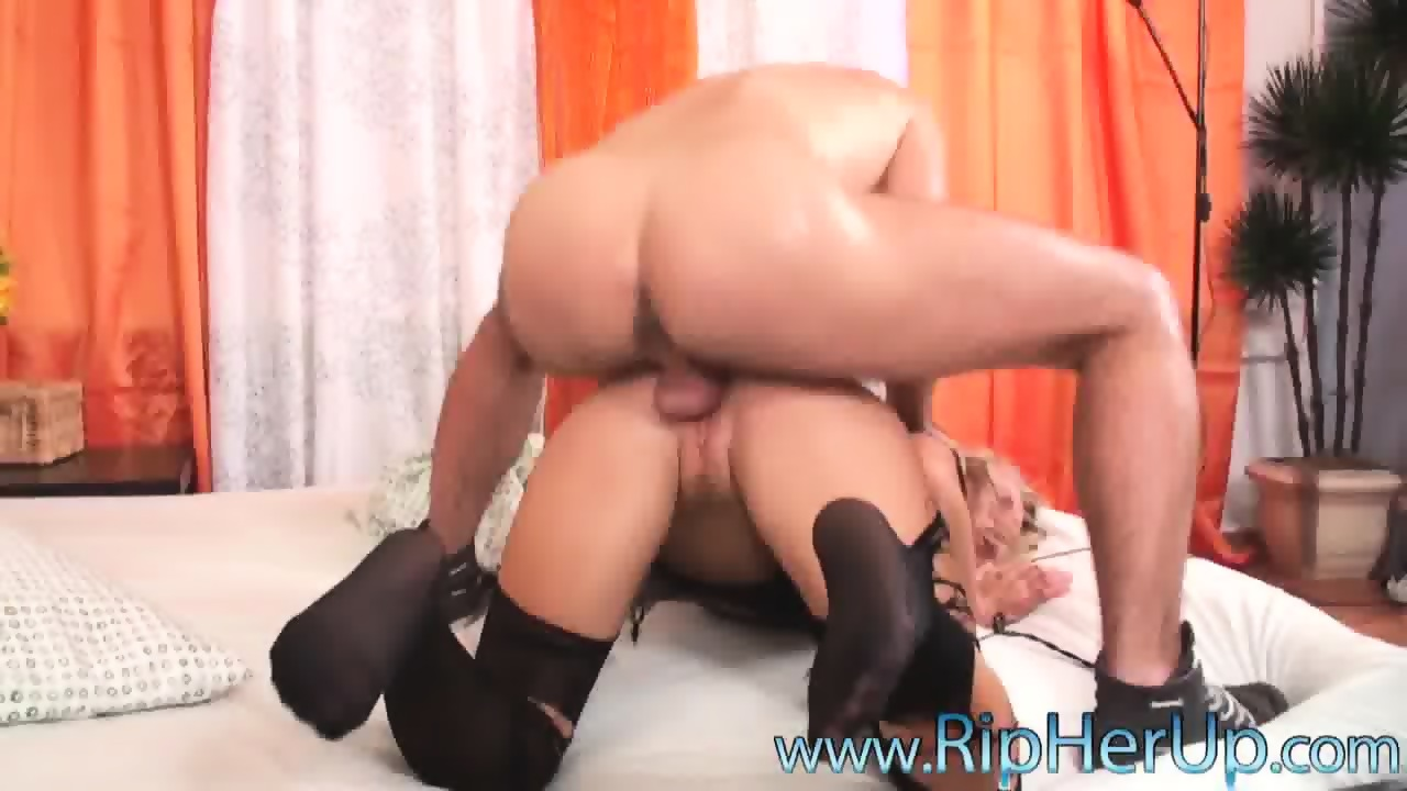 Brutal Anal Sex With Girl In Torn Pantyhose - scene 10