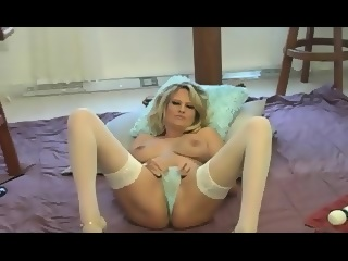 Hot girl squirting pussy
