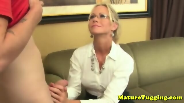 mature tugging.com