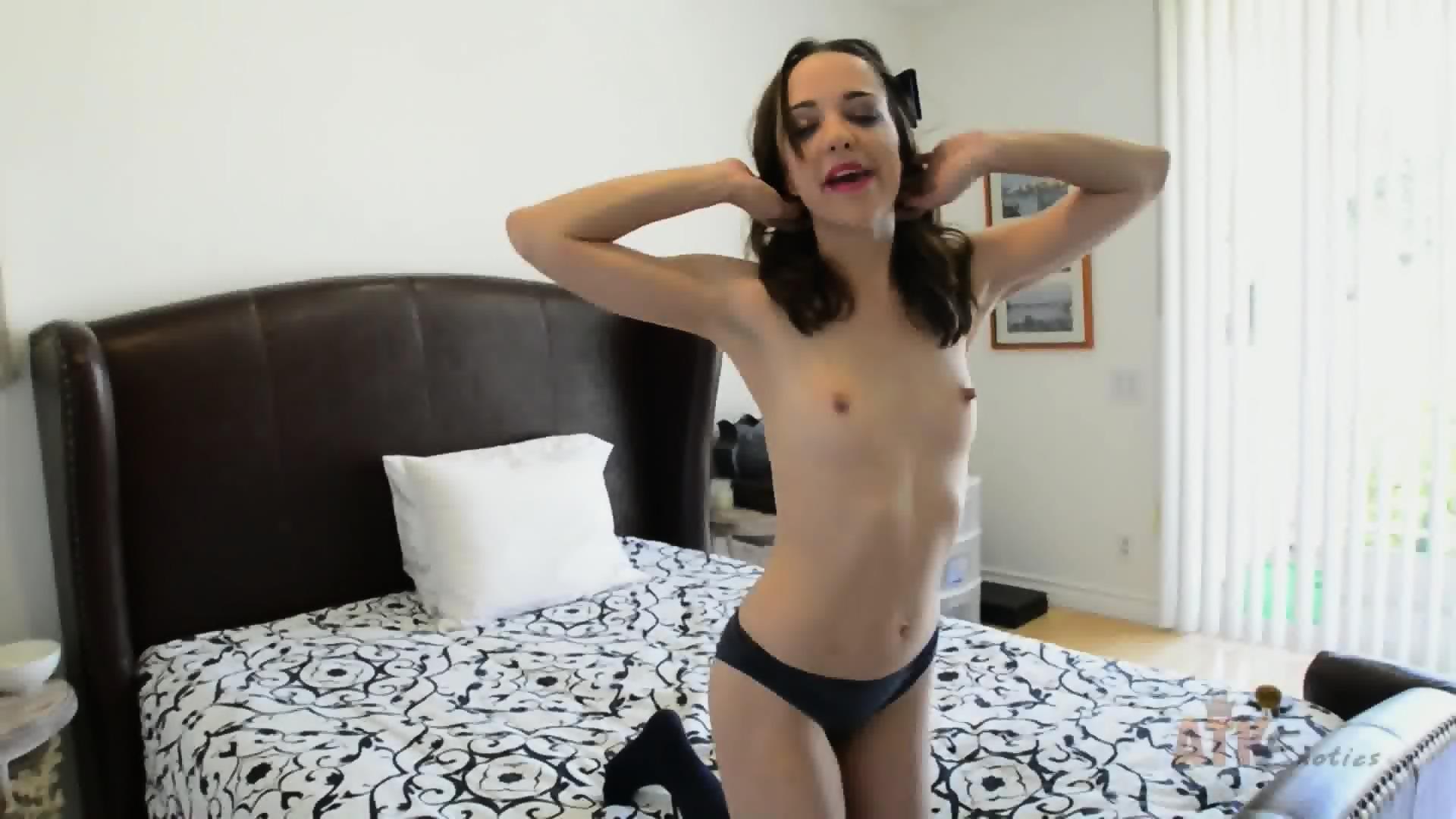 Russian lesbian sex shows