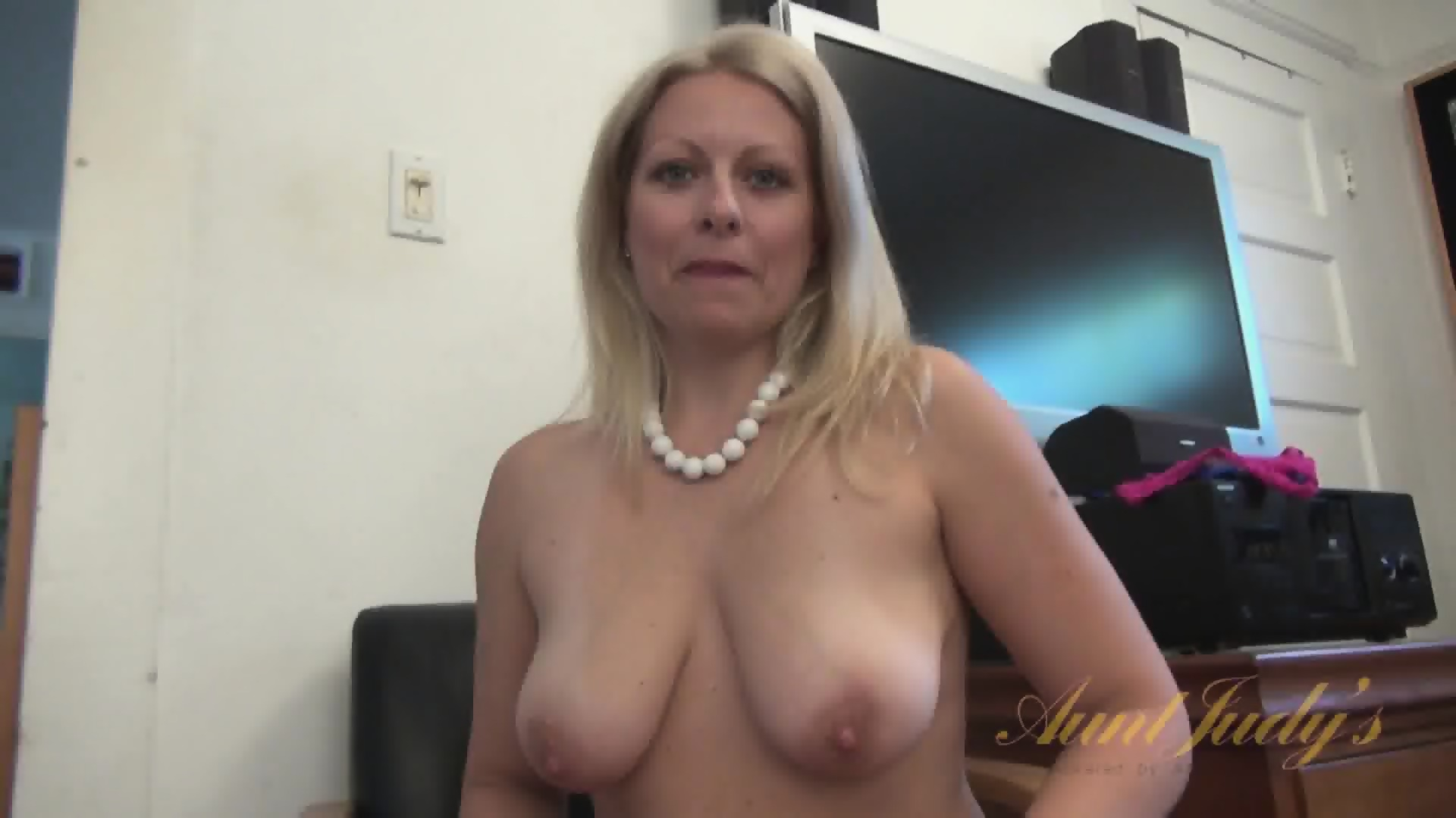 Sexy mom 59 bbw blonde mature masturbation - 1 part 1