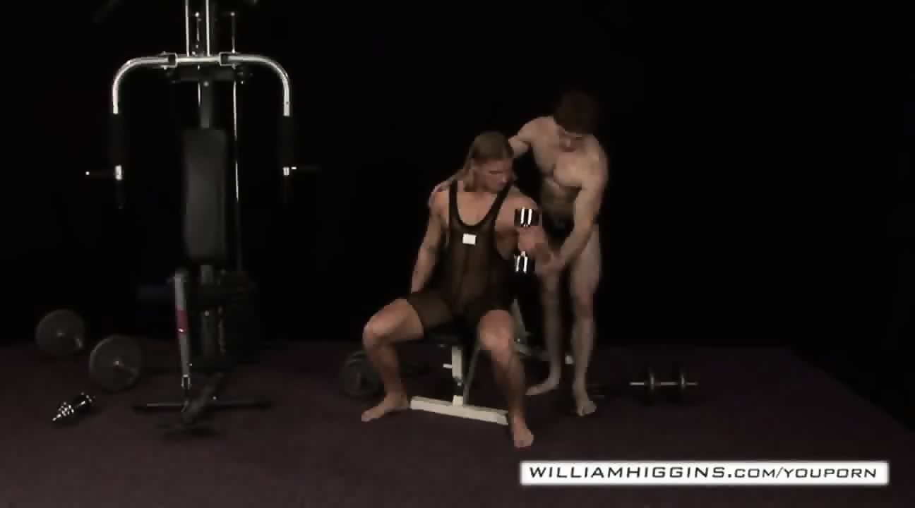 Bodybuilders backdoor sex1