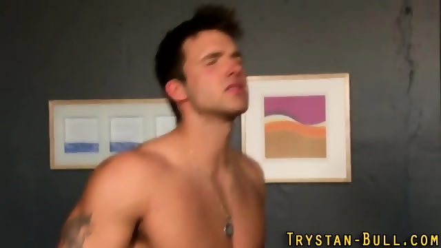 Bisexual Trystan Bull Tugs