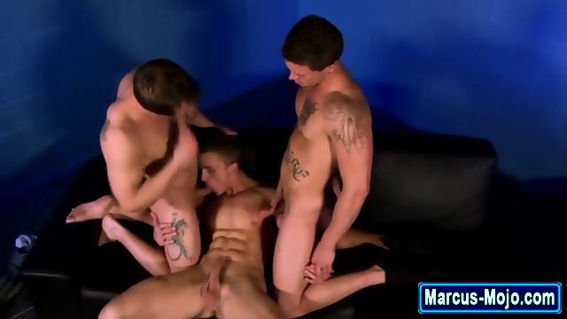 Muscly Whitey Gets Ass Rimmed