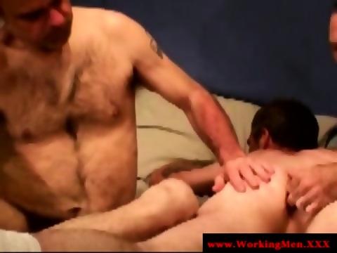Bear Rims And Fingers Ass