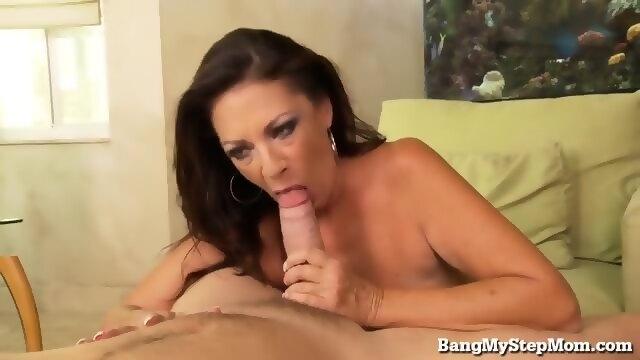 anal acrobats squirting lesbian cougar