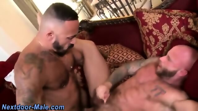 Muscled Guy Jizz Soaked
