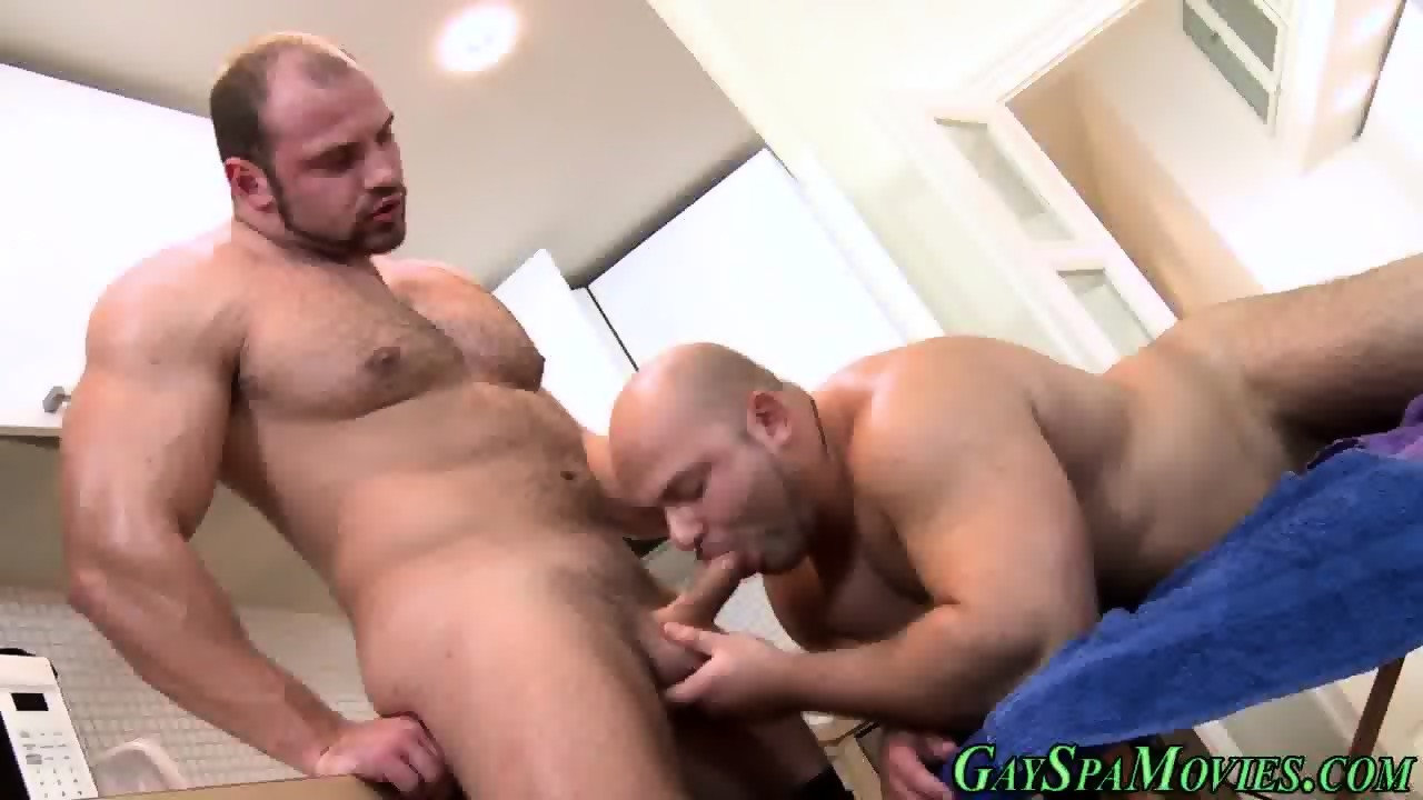 Muscle Bears Suck N Fuck Scene 9
