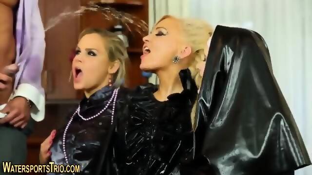 christine mendoza show pussy