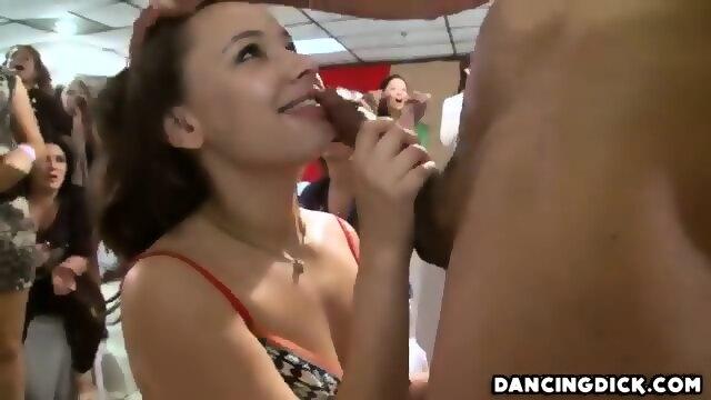 Bbw sucking black cock