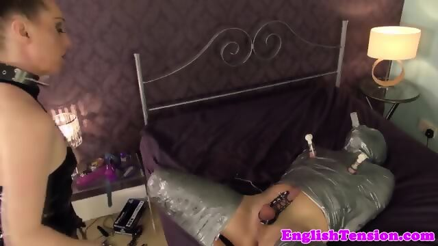 Hot webcam girl fuck her pussy with dildo
